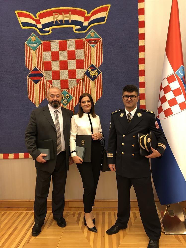 PRIZNANJE Spomenice Domovinske zahvalnosti djelatnicima PU Bjelovarsko-bilogorske