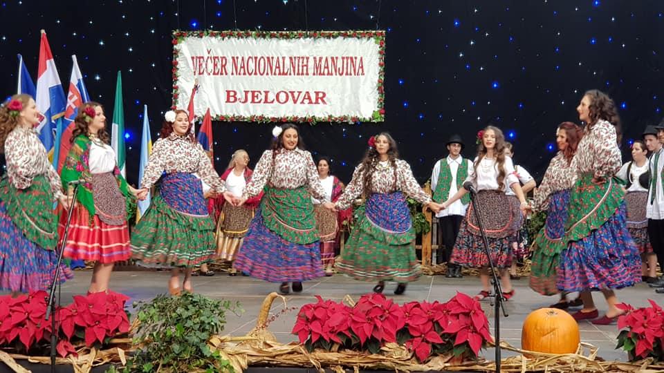 FOTOGALERIJA 13. Večer nacionalnih manjina u Bjelovaru