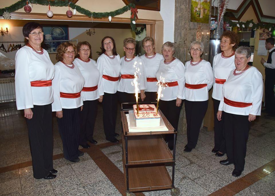 HRVATSKA ŽENA Garešničke glazbenice proslavile četvrt stoljeća zajedničkih nastupa