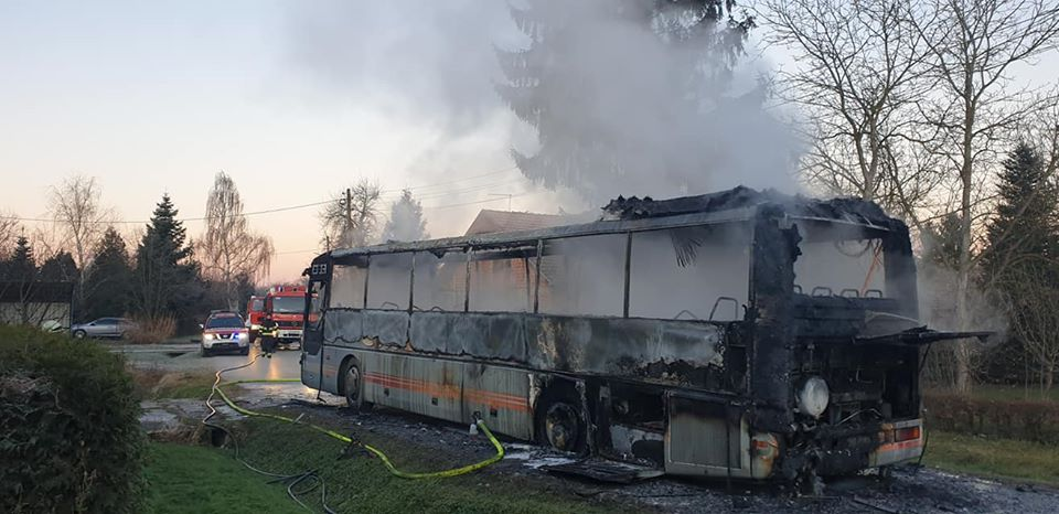 UŽAS Zapalio se autobus s desetak školaraca