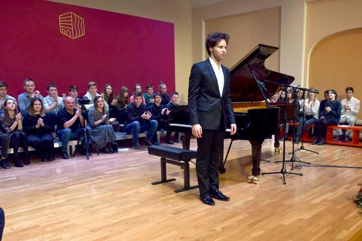 NIJE ŠALA Požežani inaugurirali - klavir!