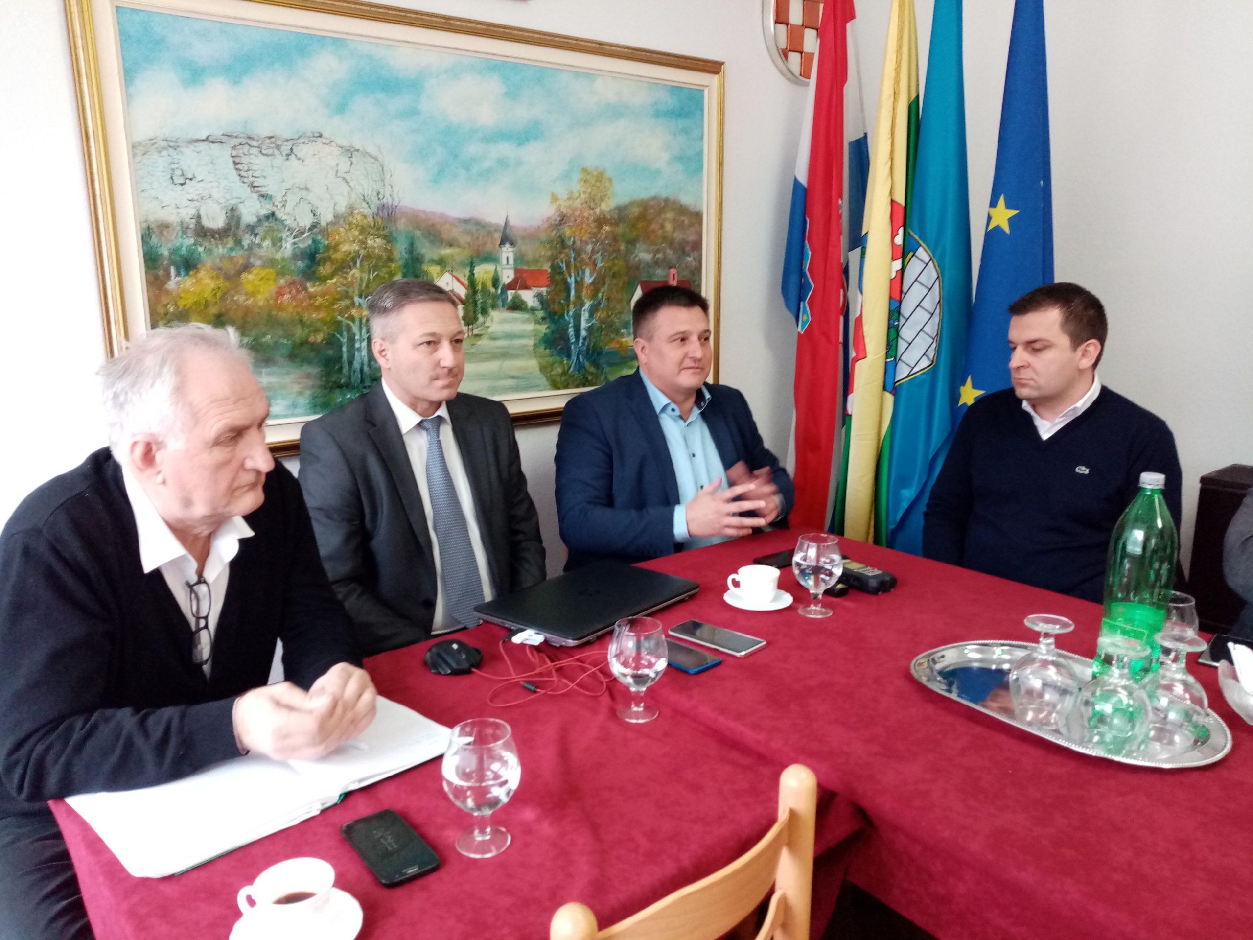 OKUPILI GLAVE Čelnici općina i gradova slušali kako maksimalno iskoristiti EU fondove