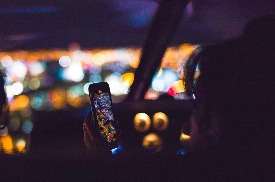 POLICIJSKA AKCIJA Sankcije za telefoniranje u vožnji i nekorištenje pojasa