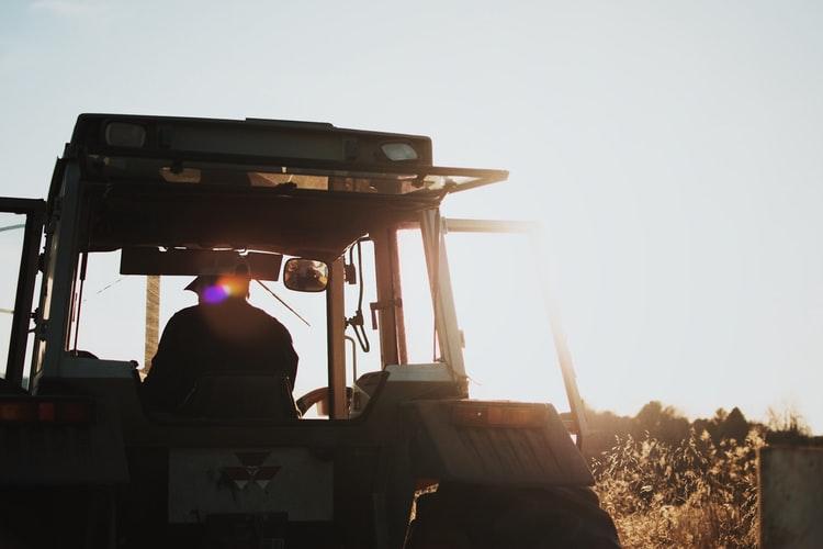 TEŠKA NESREĆA Smrtno stradao u prevrtanju traktora