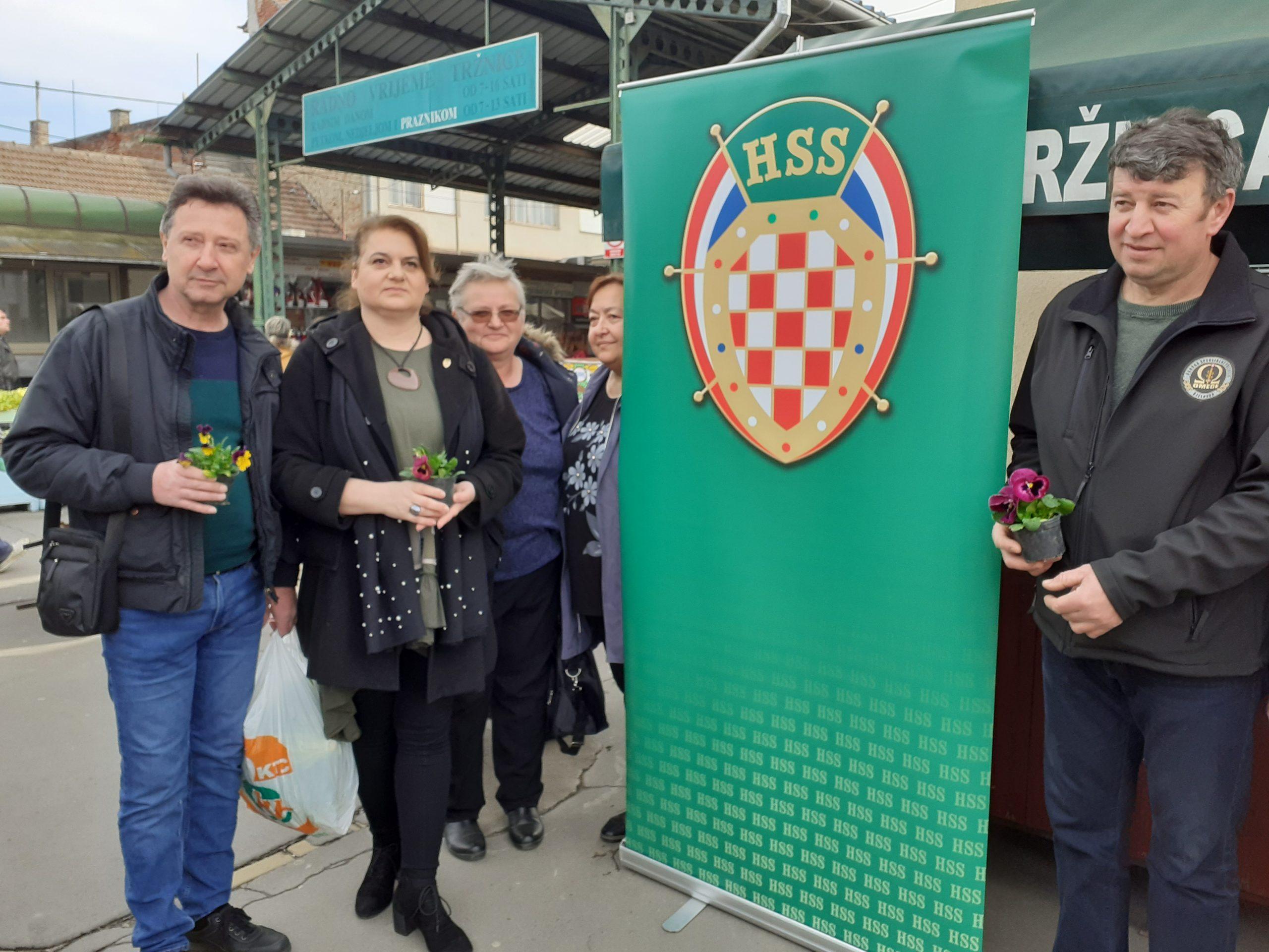 JURINA TVRDI Samo je jedna osoba napustila bjelovarski HSS!