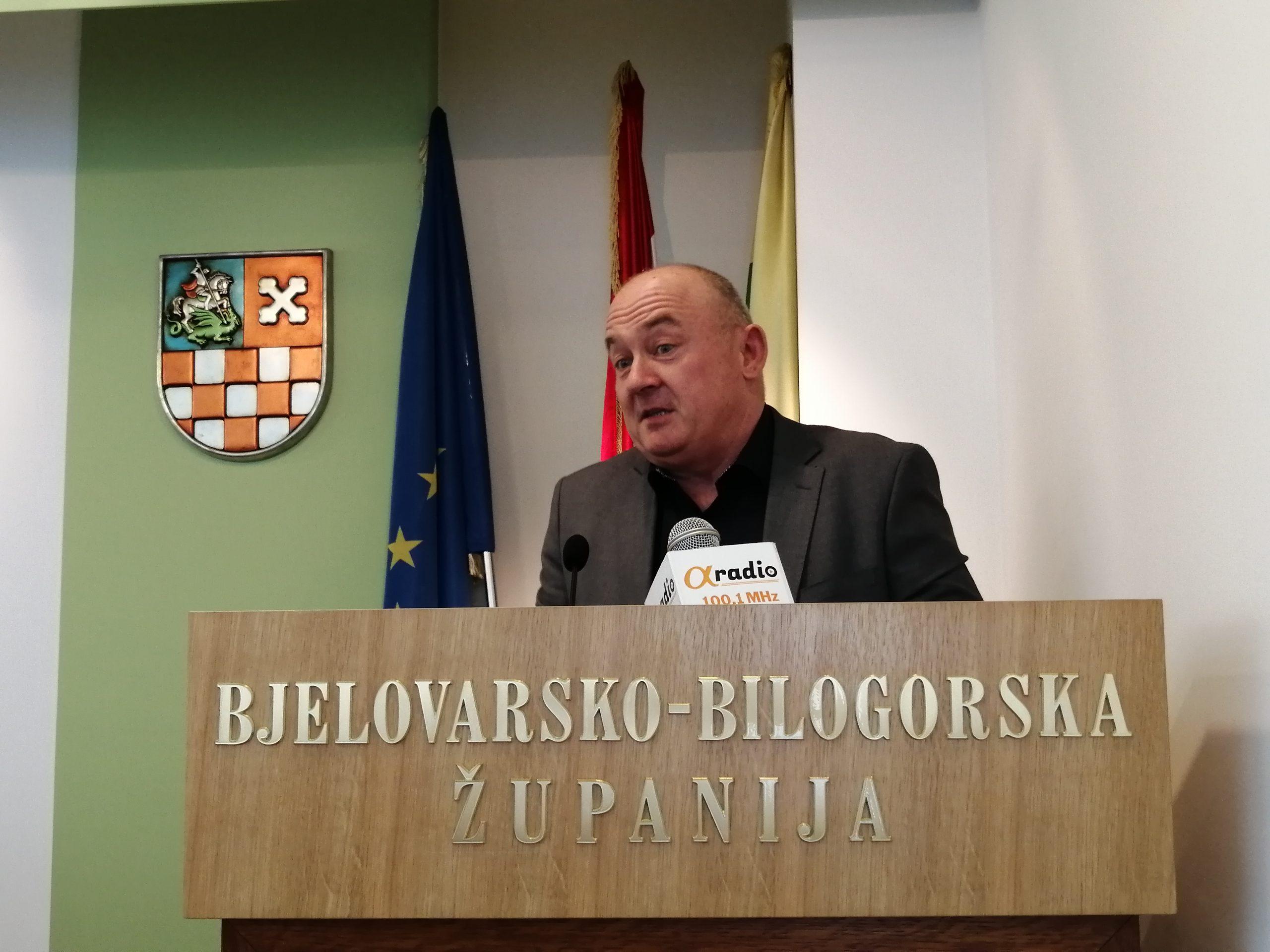 POSIPANJE PEPELOM Drago Hodak se ispričao zbog prozivanja novinarke