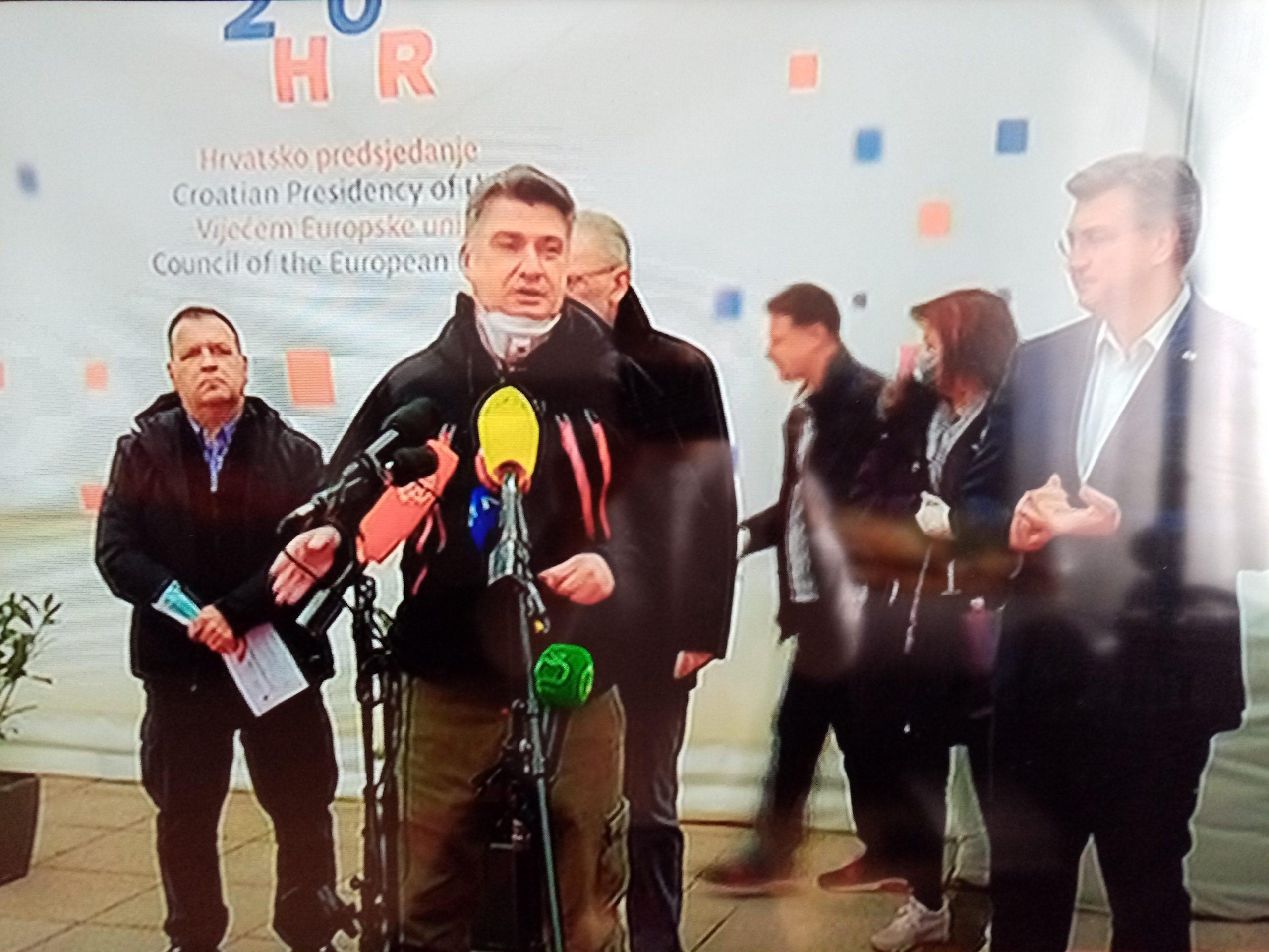 DRŽAVNI VRH NA OKUPU Predsjednik Milanović poručio građanima da slušaju samo Stožer i Vladu