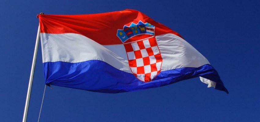SVI NA PROZORE U 20 sati Hrvatska pjeva 'Moju domovinu'