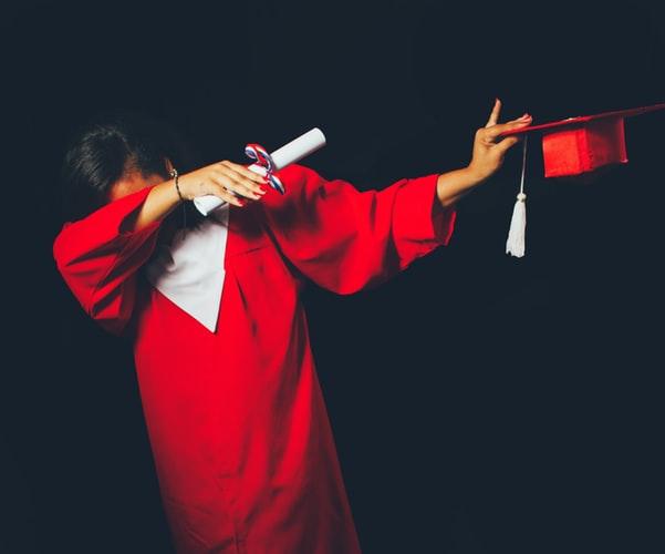 """""""DOSLJETLJIVA"""" ŽENA Lažirala ne jednu, već dvije diplome i zaposlila se"""