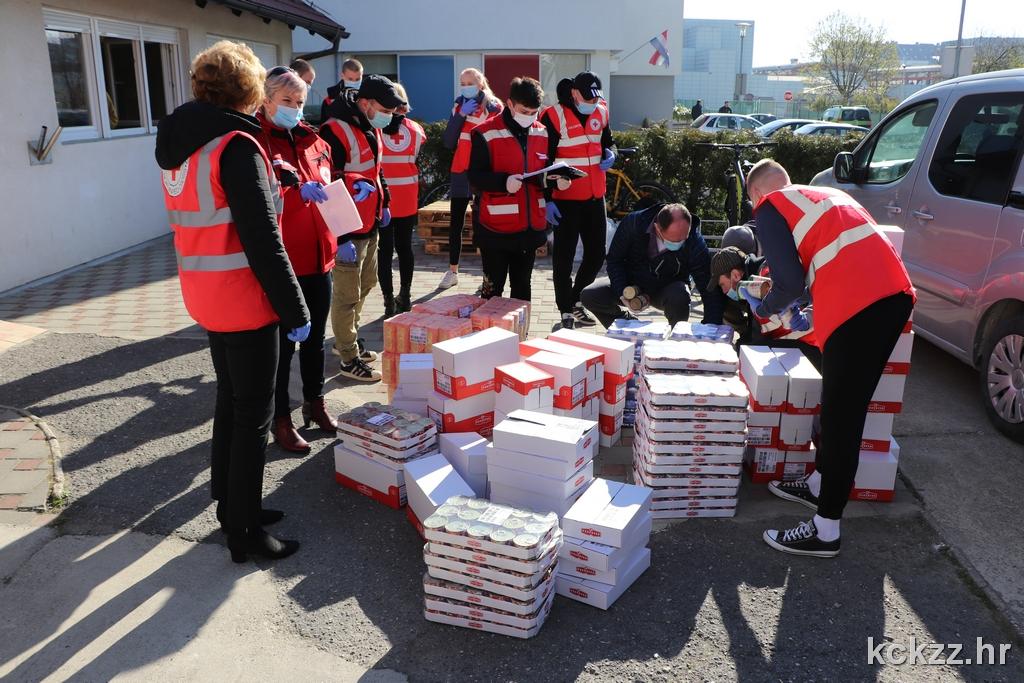 VRIJEDNA DONACIJA Županija i Podravka osigurale prehrambene pakete
