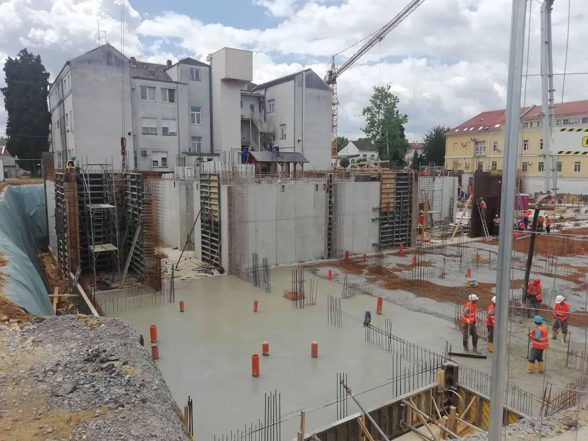 RADOVI NAPREDUJU Novu bolnicu gradi stotinu radnika