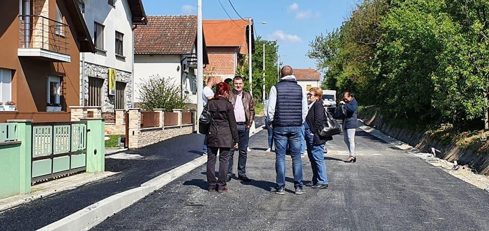 LIVADSKA ULICA Nakon dugih 40 godina asfalt je tu!