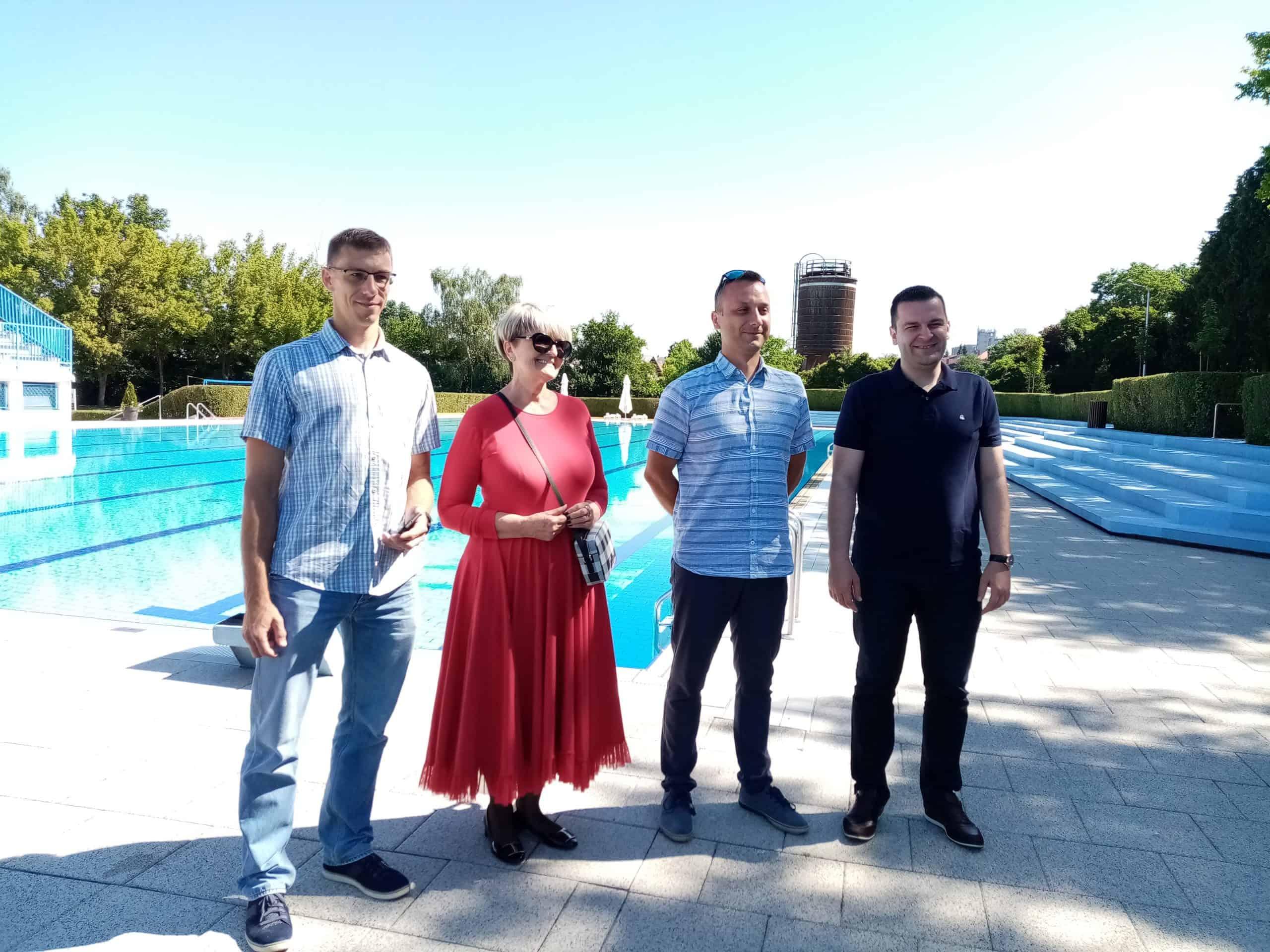 OTVORENI BAZENI Navalite, kupanje je danas besplatno!