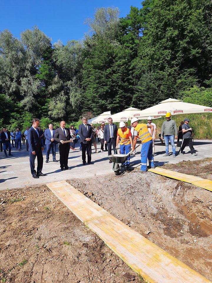 Veteranski Centar Kamen Temeljac U Daruvaru Polozio Premijer