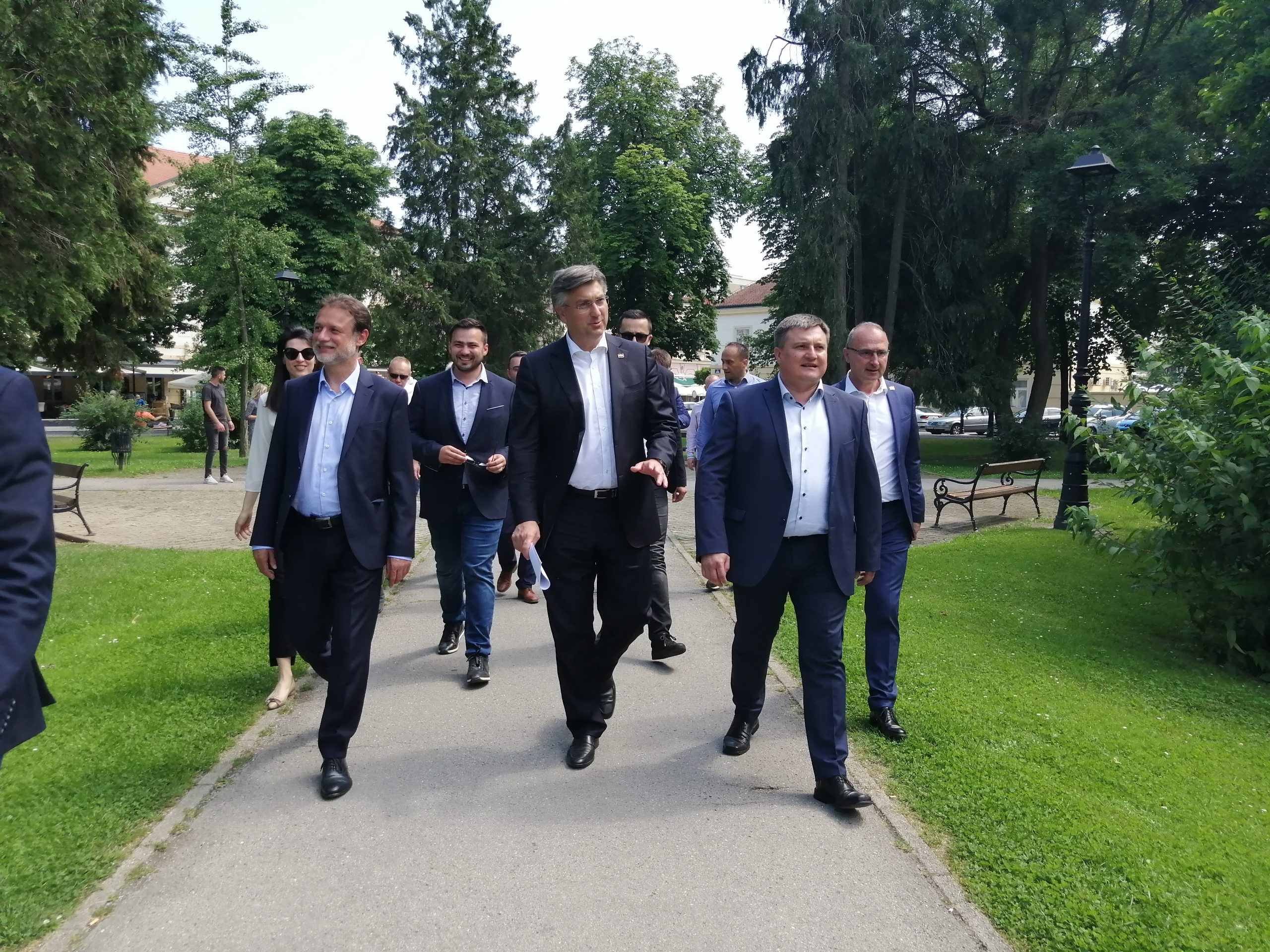 DRUŽENJE S BIRAČIMA Plenković i Jandroković poslali snažne poruke