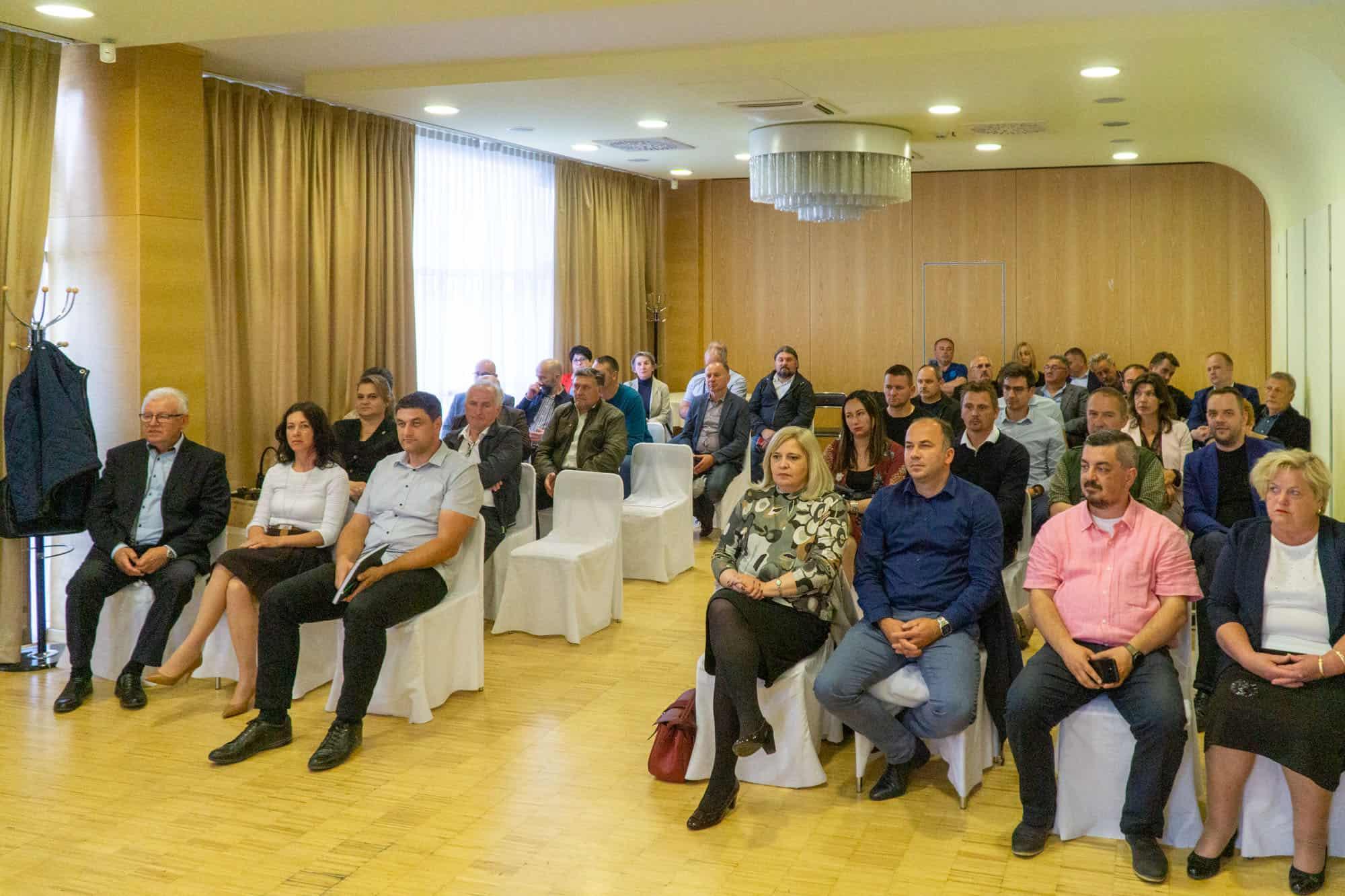 RESTART NA OKUPU Bajs se pohvalio projektima pa 'opleo' po Vladi