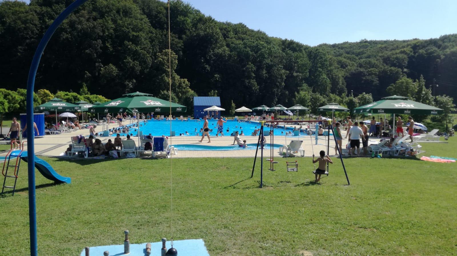 ŠANDROVAČKI BAZENI Besplatna škola plivanja za najmlađe