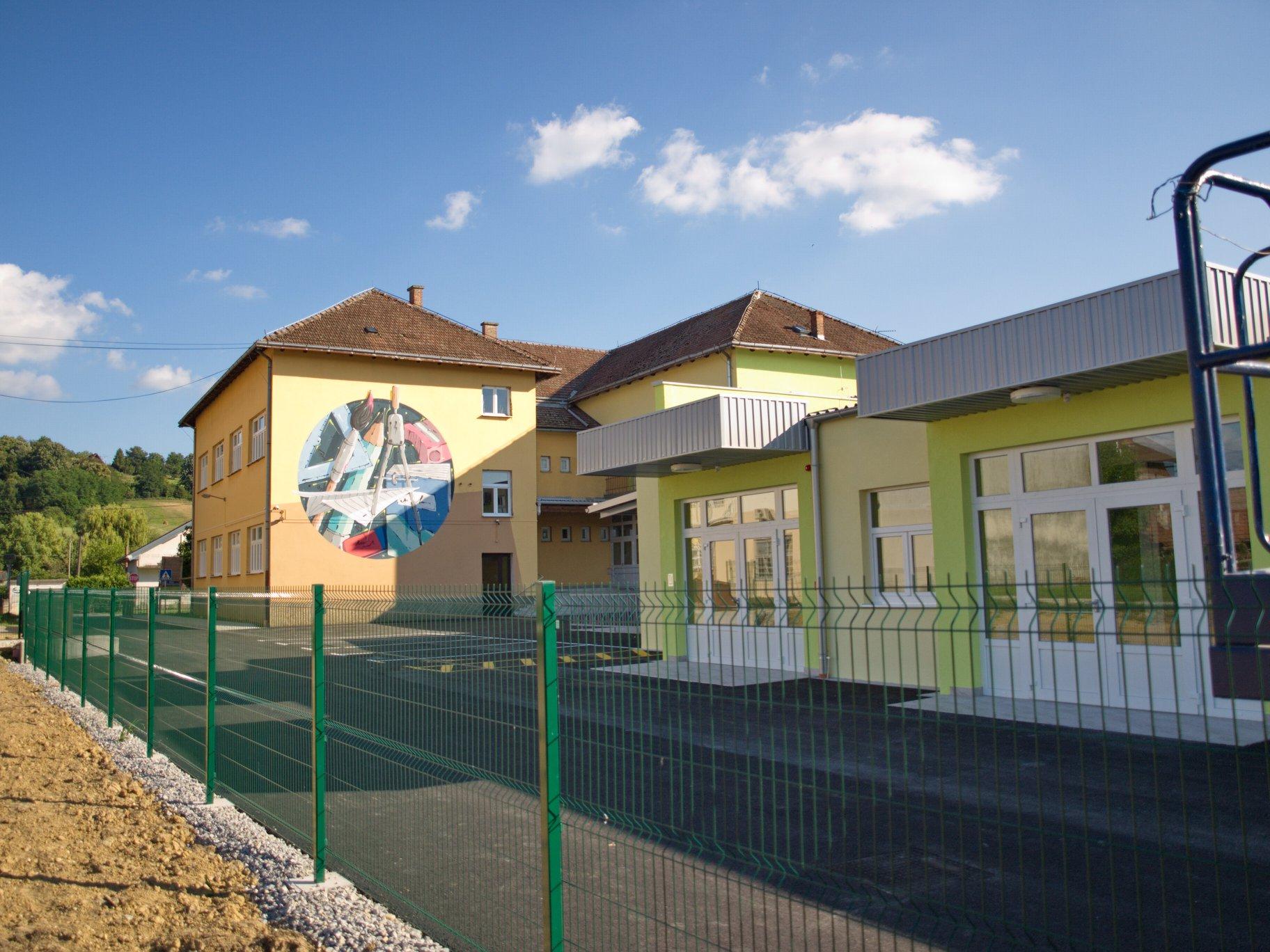 LJEPŠE RUHO Školski zid krasi mural