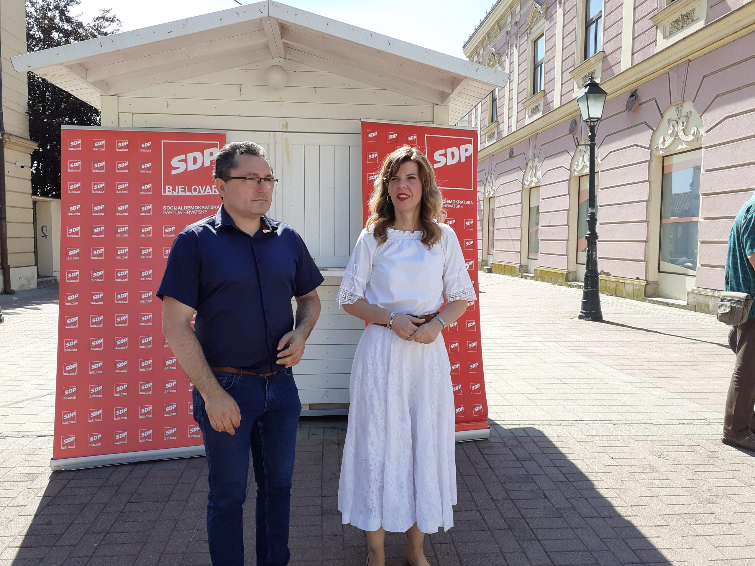 IZNENADNA PODRŠKA Jaića podržale tri visokopozicionirane političarke