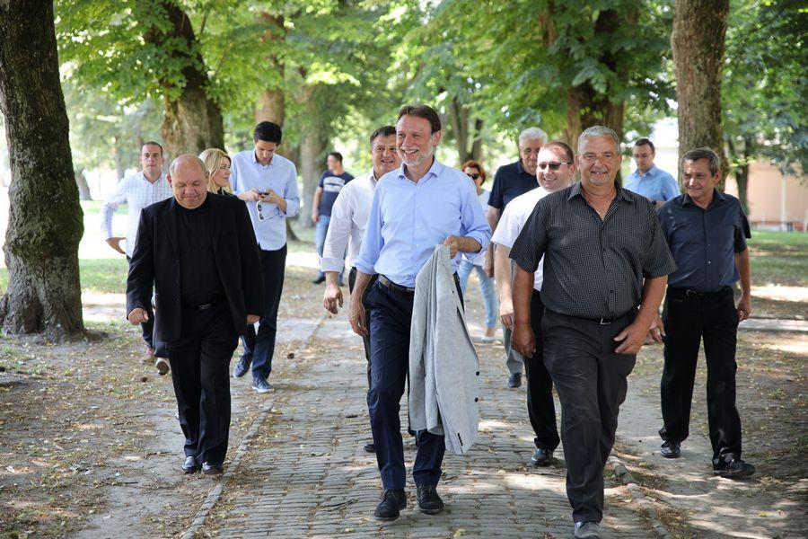 G. JANDROKOVIĆ BIRAČIMA: HDZ jedini ima program i ljude koji Hrvatskoj mogu garantirati sigurnost i stabilnost!