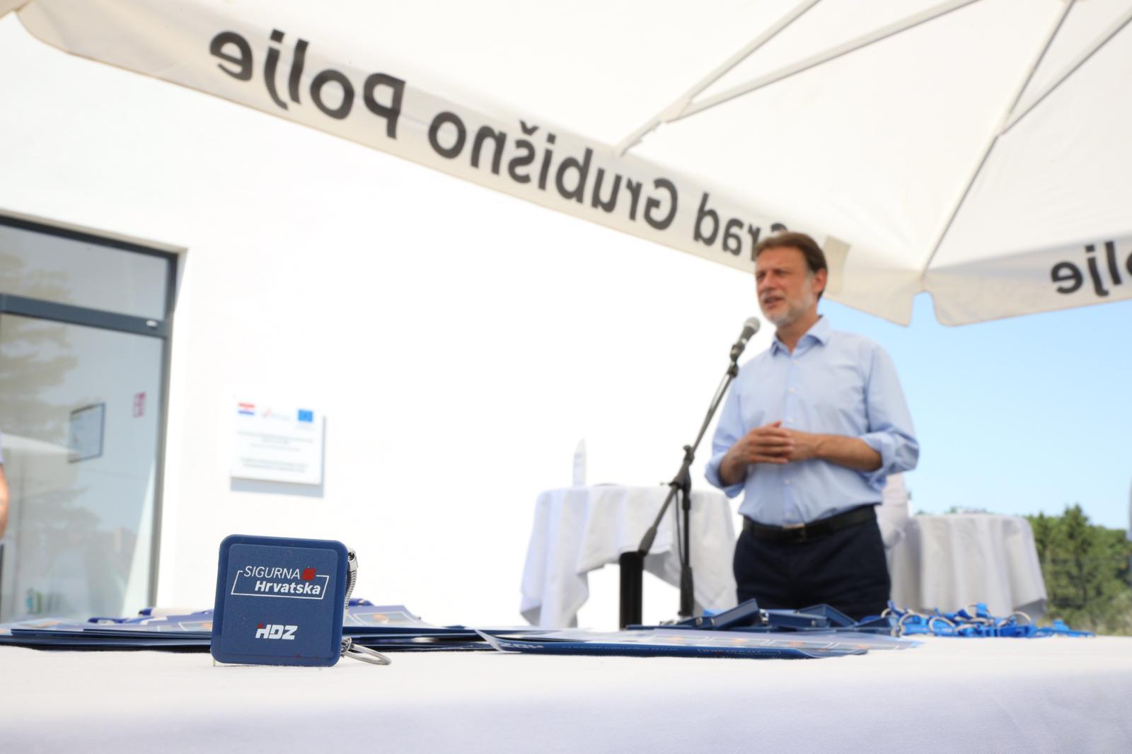 JANDROKOVIĆ PORUČIO Na ucjene ne pristajemo, Plenković će opet biti premijer!