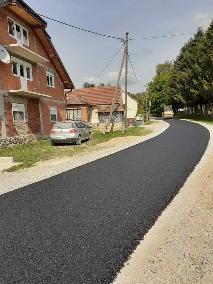 RADNO LJETO Posljednja dva đulovačka naselja dobivaju asfalt