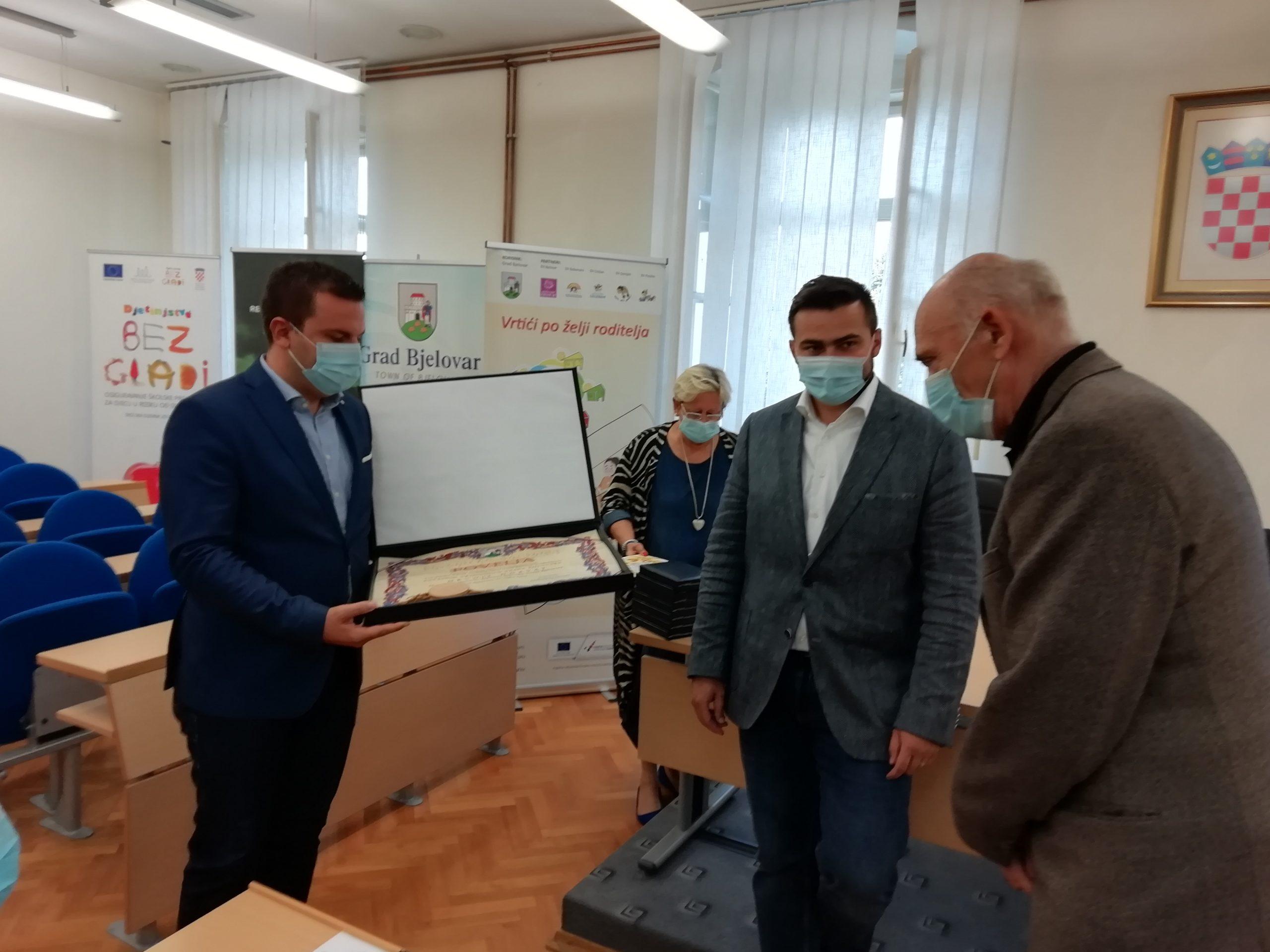 JAVNA PRIZNANJA Legenda rukometa imenovan počasnim građaninom