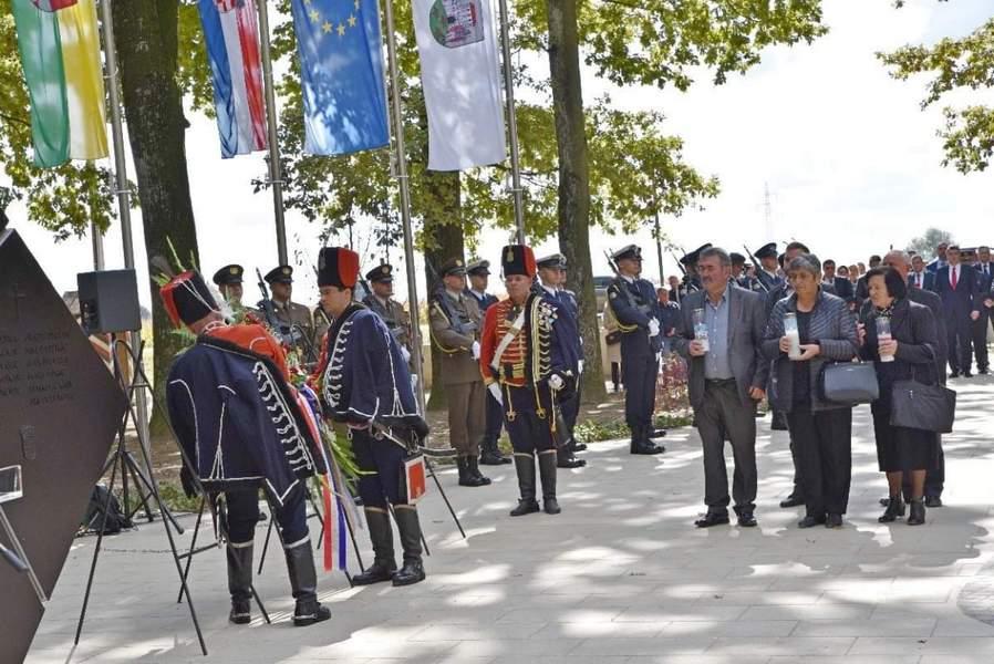 DAN BJELOVARSKIH BRANITELJA Spomen na vitezove kojima Bjelovar duguje slobodu