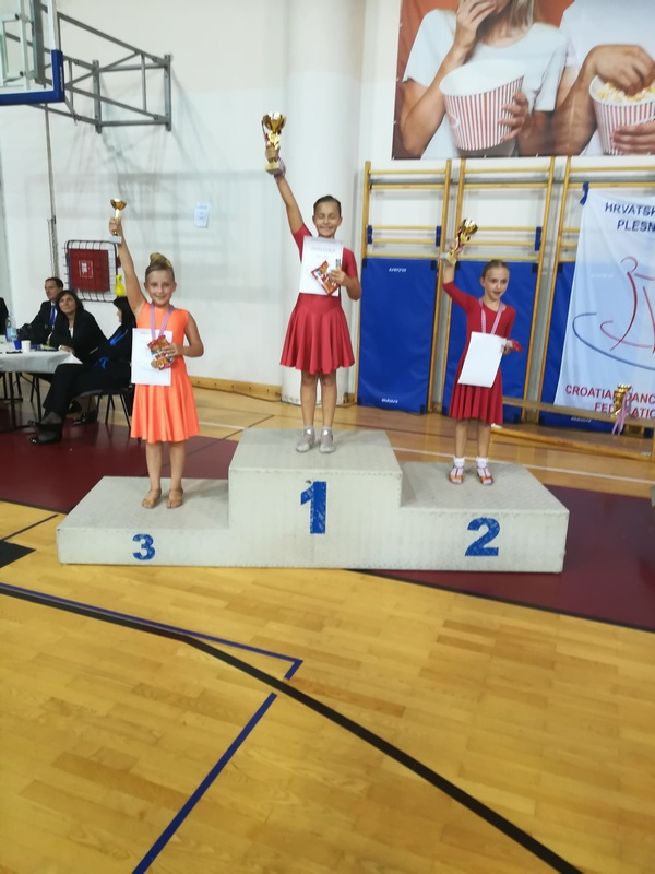 VELIKI USPJEH Ramona Pečar državna prvakinja u latinsko-američkim plesovima