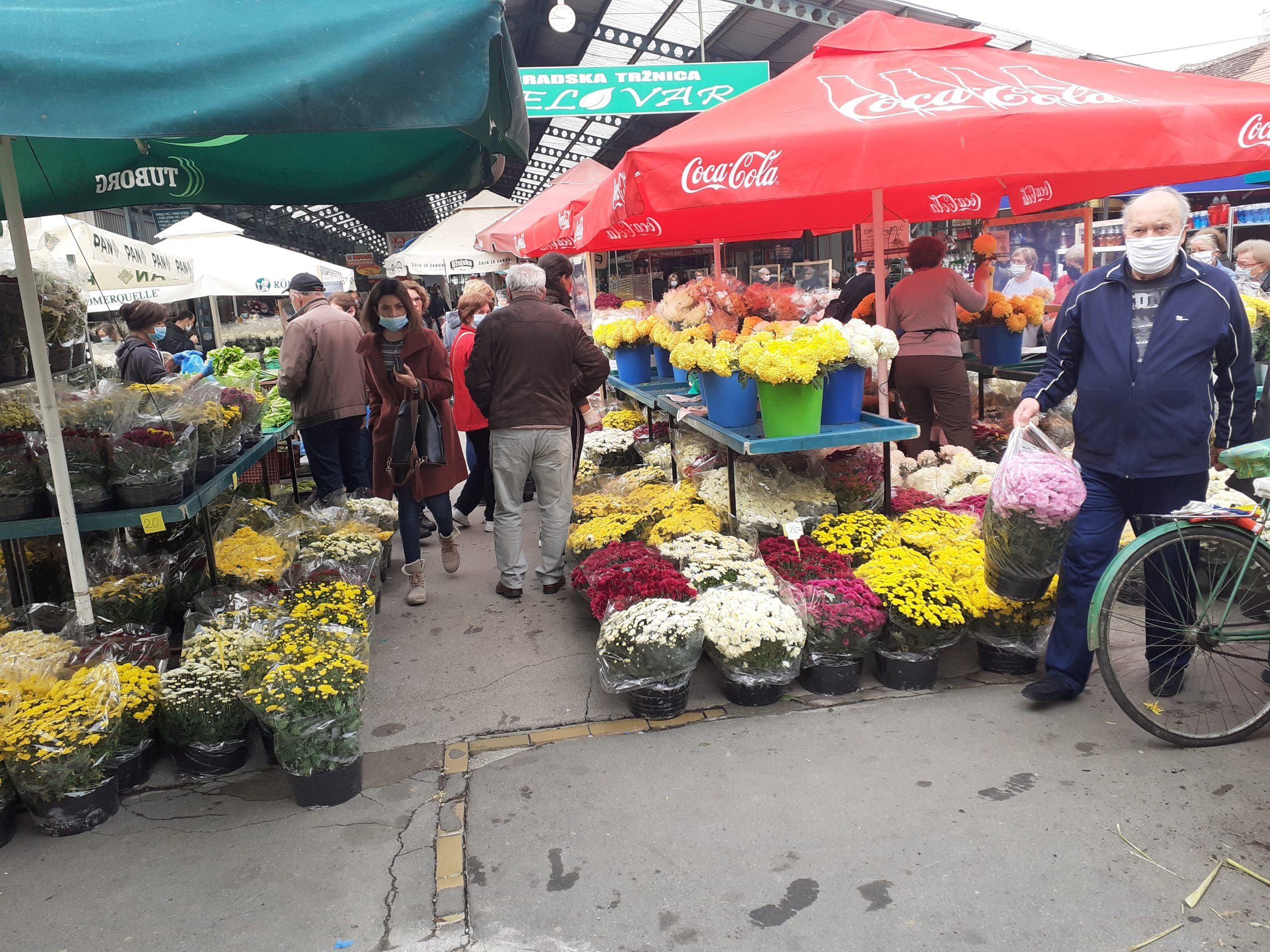 SVI SVETI Bogata ponuda cvijeća, no navike građana sve se više mijenjaju