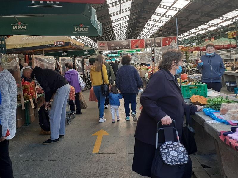 TRBUH GRADA Gužva na bjelovarskoj tržnici