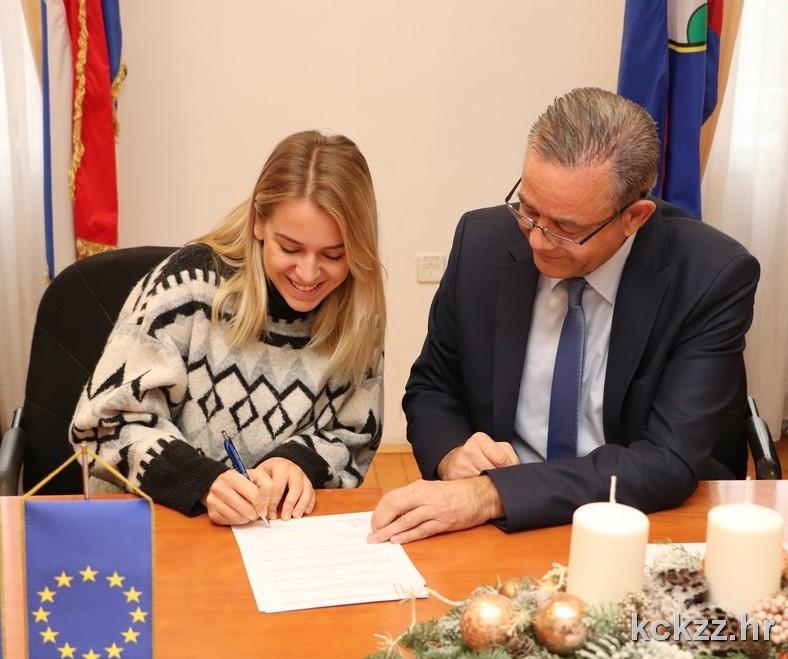 DOBRE VIJESTI Županija povećala broj stipendija, prijave na natječaj - online