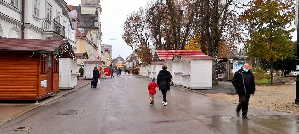 NIŠTA OD ZAMJENSKOG ADVENTA Kućice do 21. prosinca ostaju zatvorene
