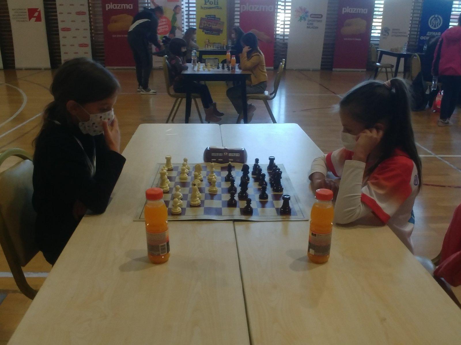 """ČUDO OD DJETETA Korona ju """"naučila"""" igrati šah, u samo četiri mjeseca postala viceprvakinja"""