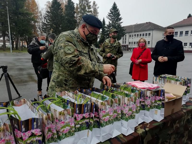 ODLIČNA SURADNJA Grad i Turistička zajednica darivali vojarnu Bilogora