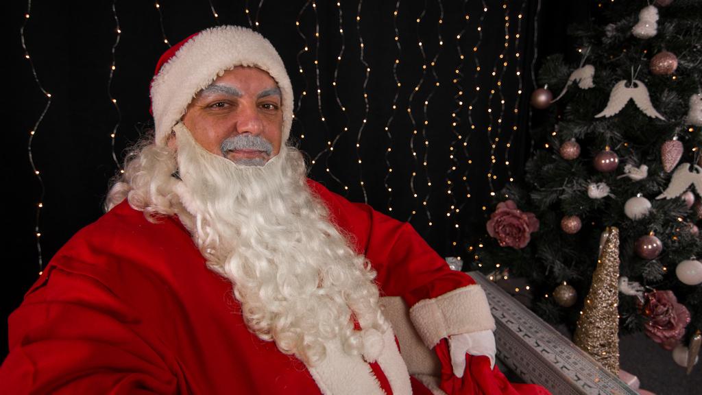 PORUKA DJEDA BOŽIĆNJAKA Dozvolite da vas ovoga Božića dotakne Ljubav!