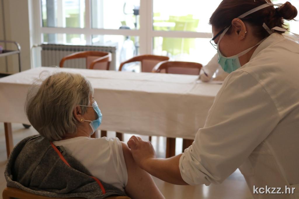 CJEPIVO Prve doze primili korisnici Doma za starije