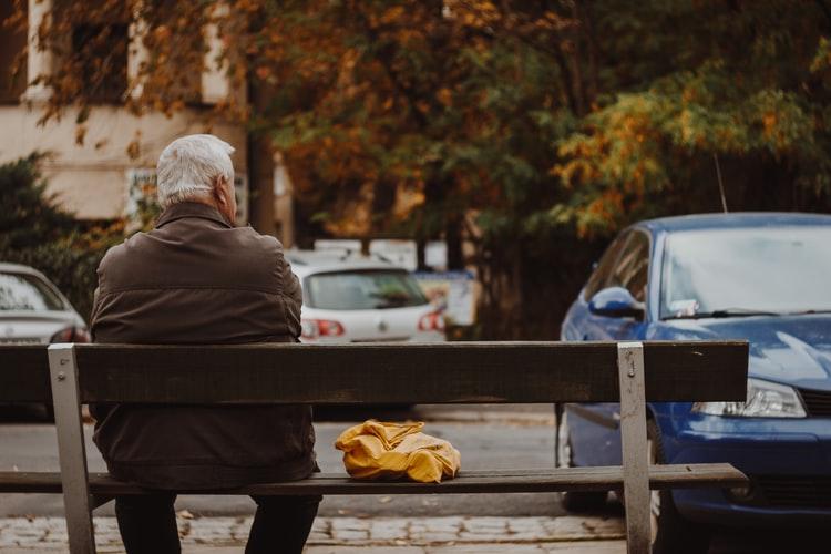 CENTAR ZA POMOĆ I NJEGU Pogodnosti za mještane treće životne dobi