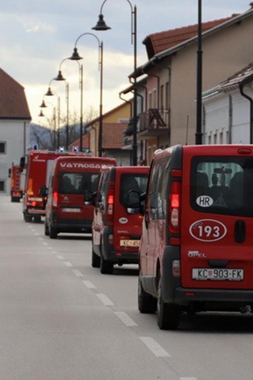 SMJENA Po četvrti put vatrogasci otputovali kolegama u Glinu