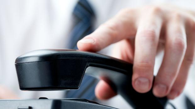UŽARENI PREDIZBORNI TELEFONI: Ako vas zovu evo što će vas pitati
