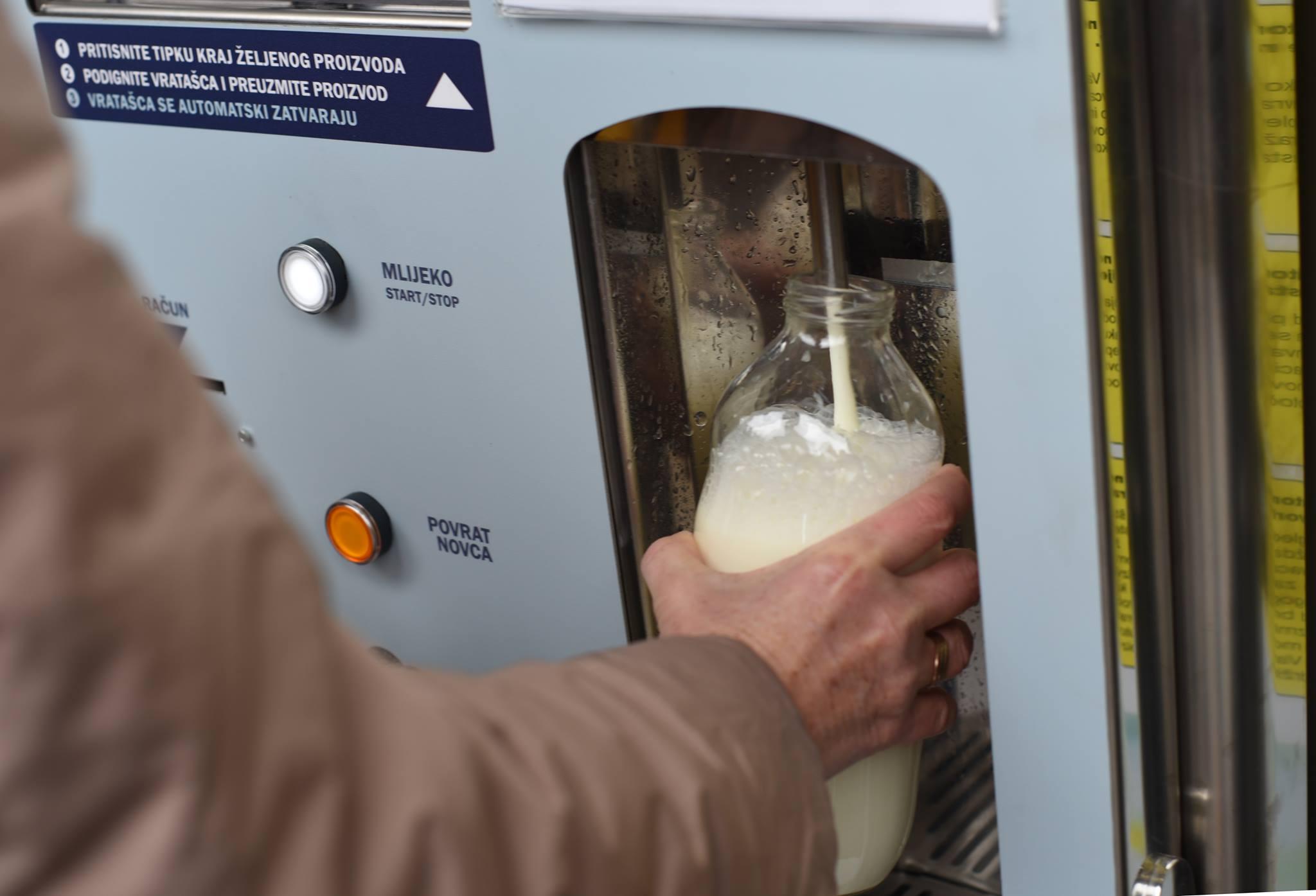 POD LUPOM POREZNE Zbog fiskalizacije se zatvaraju mljekomati i jajomati