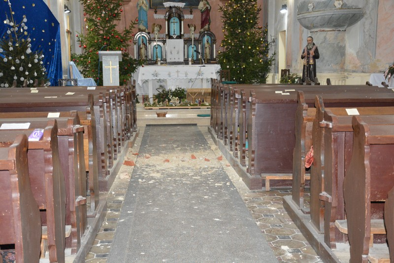 VELIKE ŠTETE U potresima teško stradale crkve, vjernici u neke ne smiju do daljnjeg