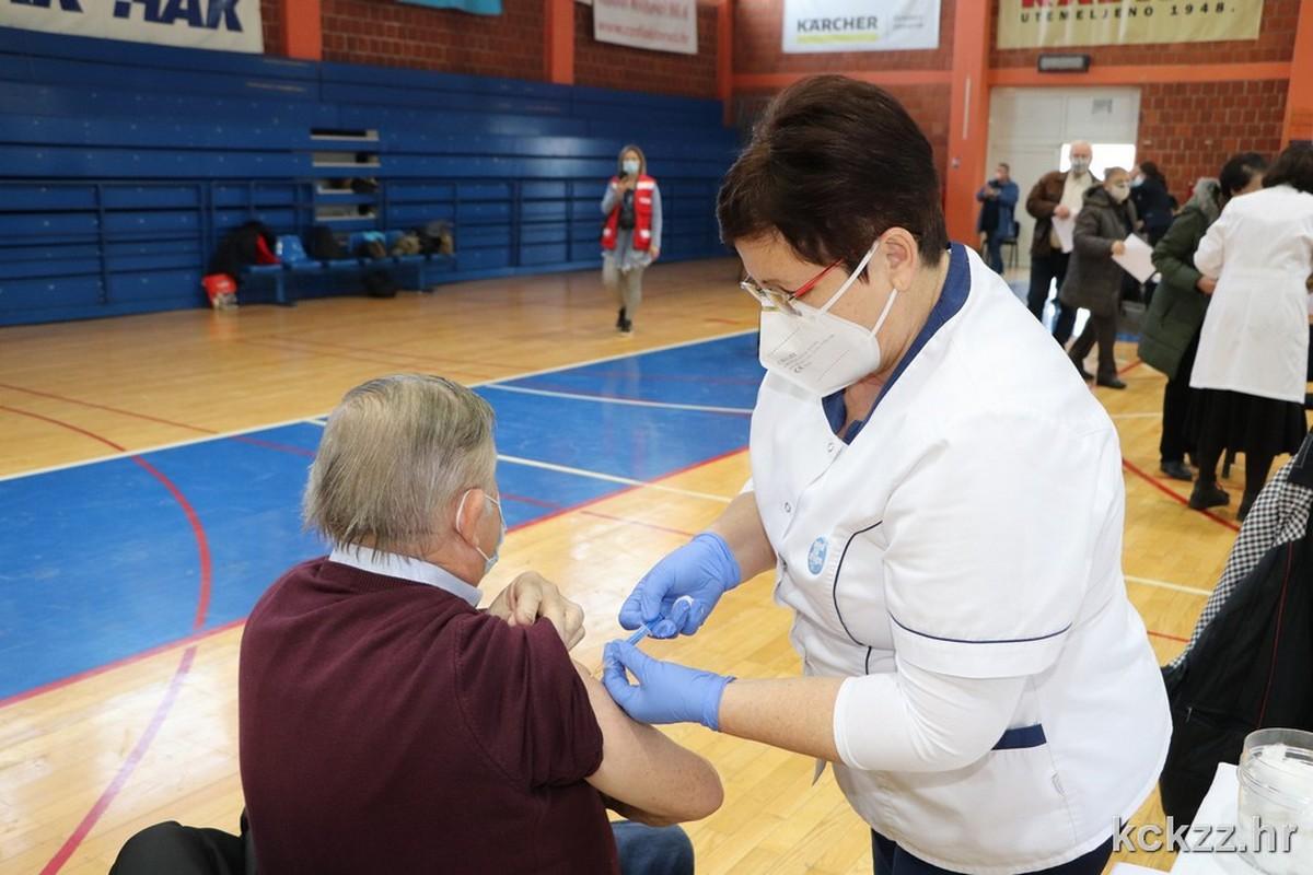U Koprivničko-križevačkoj županiji obustavljeno cijepljenje cjepivom AstraZenece