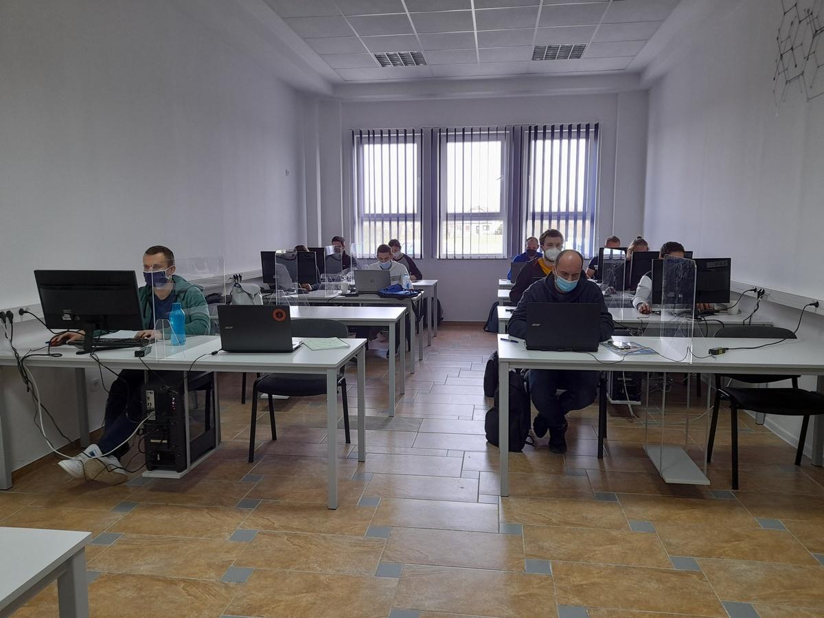 O umjetnoj inteligenciji učit će polaznici iz cijele zemlje, od Osijeka do Dubrovnika