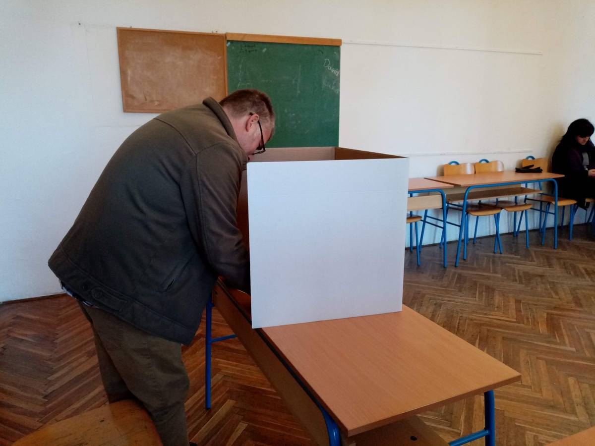Prva procjena popularnosti političkih stranaka uoči lokalnih izbora
