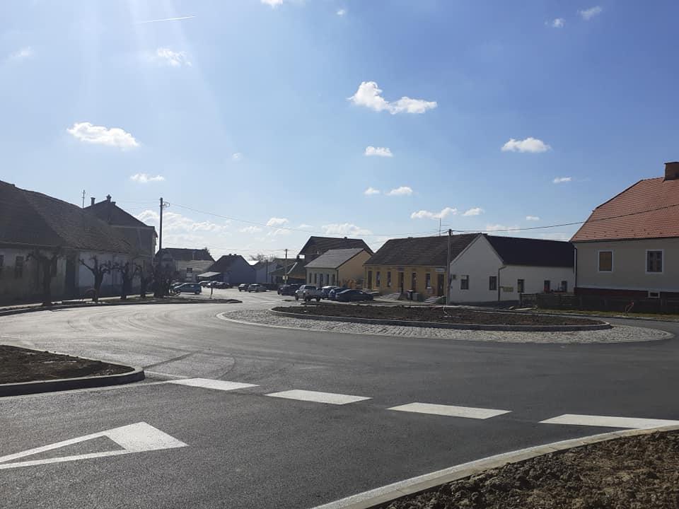 Općina uredila svoju zgradu, ali i središte mjesta