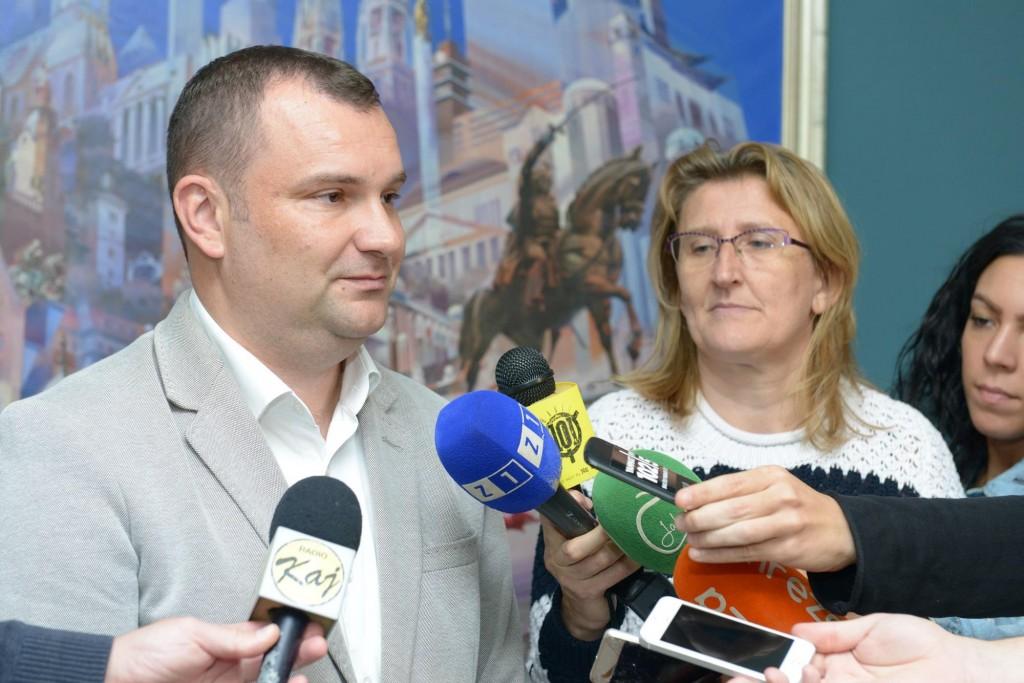 Lneniček: Za kompromis i razgovor, ali protiv političke trgovine!