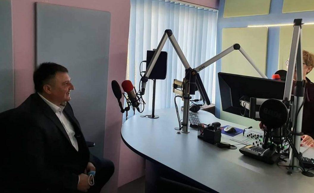 Totgergeli: Bajsova crveno-crna koalicija u napadu