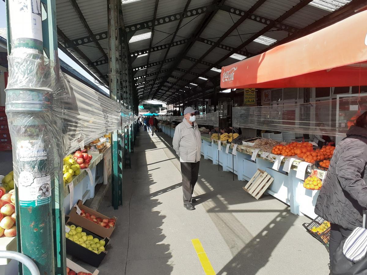 Broj prodavača na tržnici ne smanjuje se unatoč pandemiji