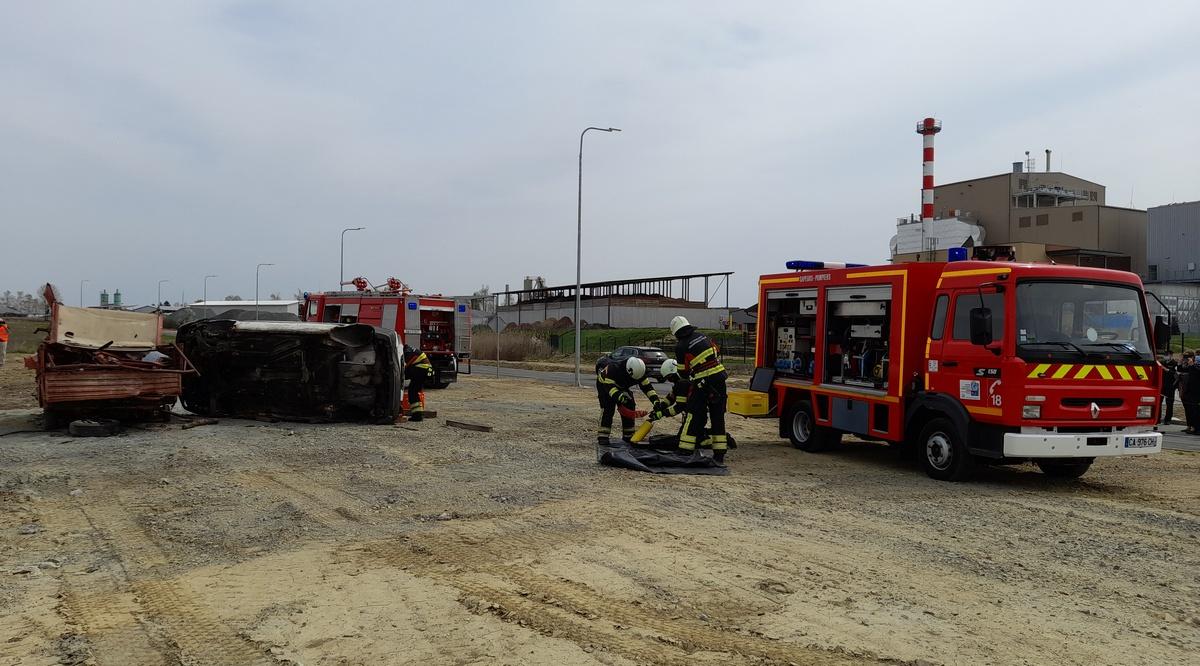 Francuzi Grubišnopoljcima darovali vatrogasno vozilo